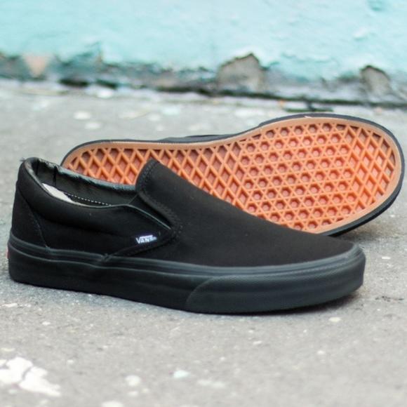 5e5e445363 Vans black slip ons women size 7 - new in box
